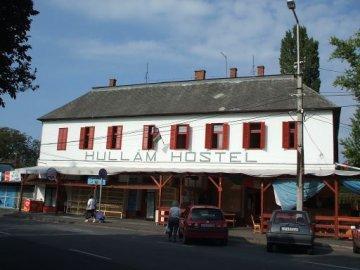Hullam Hostel