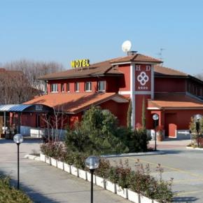 ホステル - Hotel Daniel
