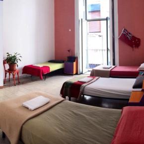 ホステル - 6 Small Rooms