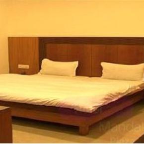 ホステル - Hotel Mandakini Plaza