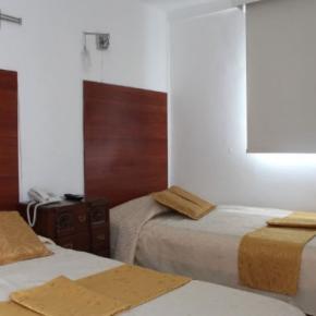 ホステル - Hotel La Santamaría