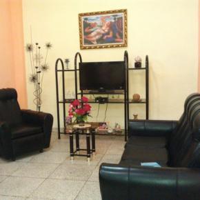 ホステル - Hostal Cuba 215