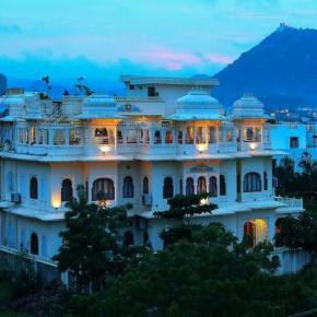ホステル - Hotel Jaisingh Garh