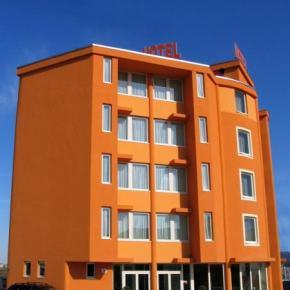 ホステル - Hotel Verdina