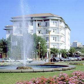 ホステル - Hotel Lungomare