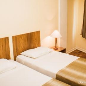 ホステル - Hotel Rojas