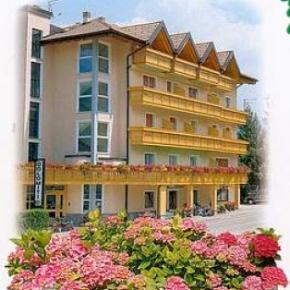 ホステル - Hotel Dolomiti***
