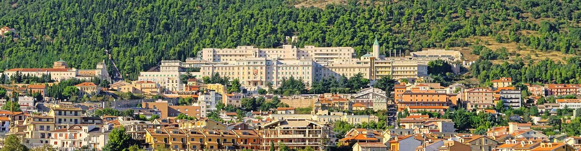 フィレンツェ – San Giovanni地区のユースホステル. 地図 フィレンツェ, すべてのユースホステルの写真とレビュー フィレンツェ.