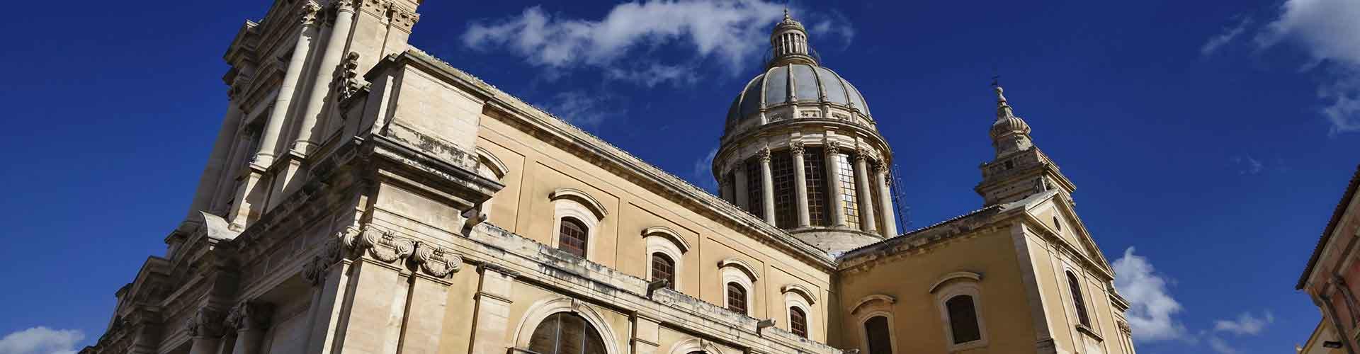 フィレンツェ – Santissima Annunziata地区のホテル. 地図 フィレンツェ, すべてのホテルの写真とレビュー フィレンツェ.