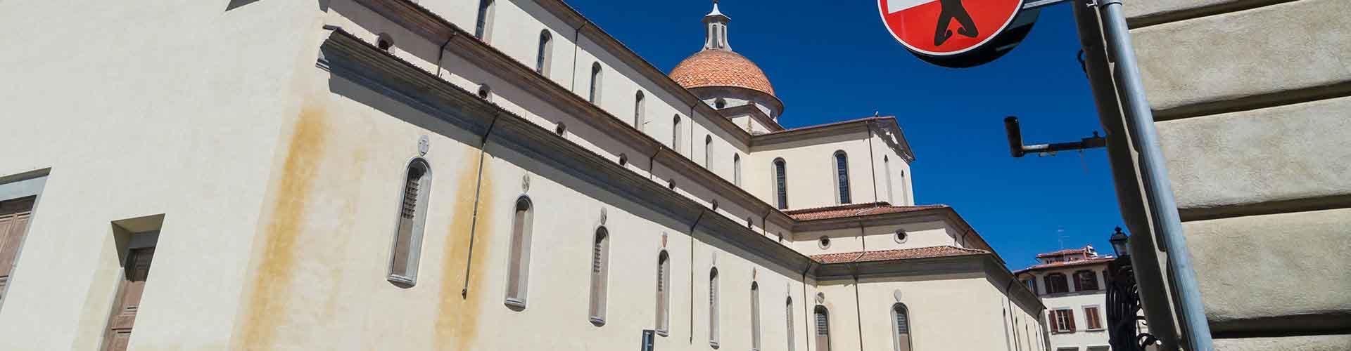 フィレンツェ – Santo Spirito地区のユースホステル. 地図 フィレンツェ, すべてのユースホステルの写真とレビュー フィレンツェ.